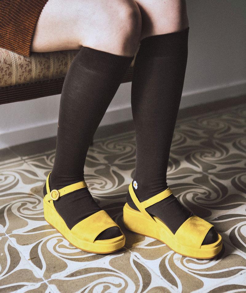 calcetines-algodon-largos-marrones-calzefratelli