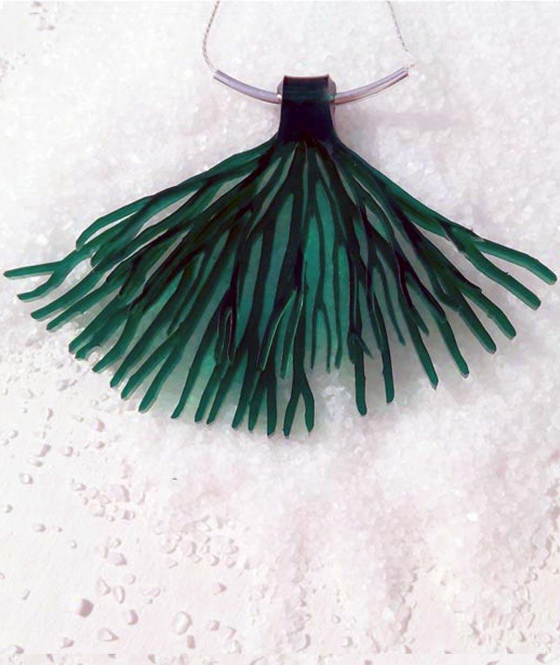 collar material reciclado de proximidad