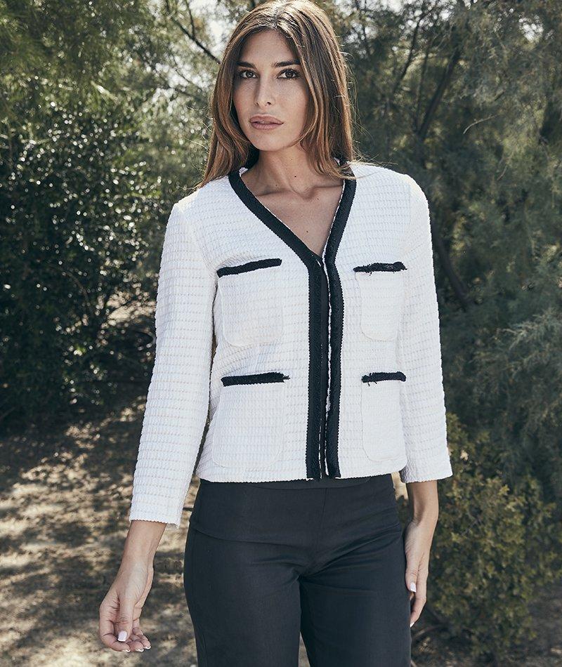 chaqueta blanca chanel sostenible alolola