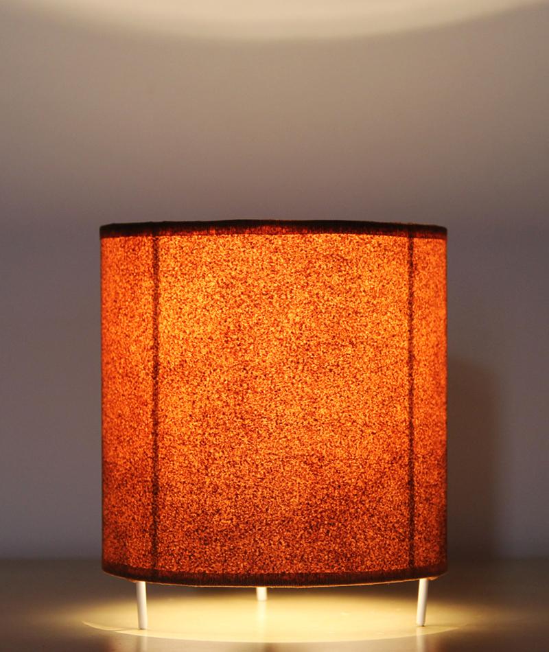 lampara-oxid-mesa-encendida-pequena