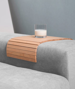 bandeja sofá de madera sostenible Debosc