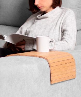 bandeja sofá de madera sostenible fabricada en España