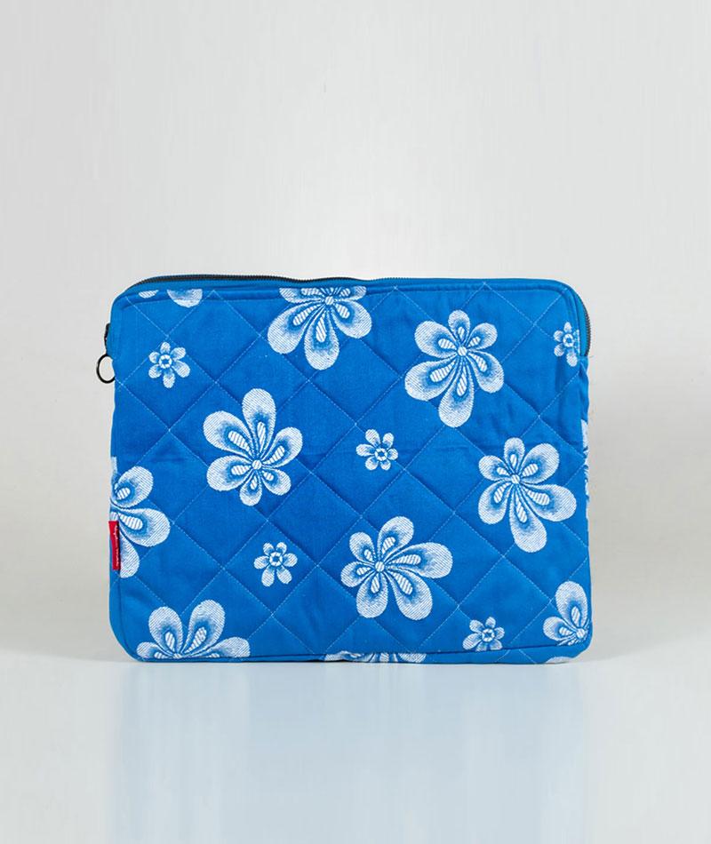 cartera-funda-ordenador-reciclada-azul