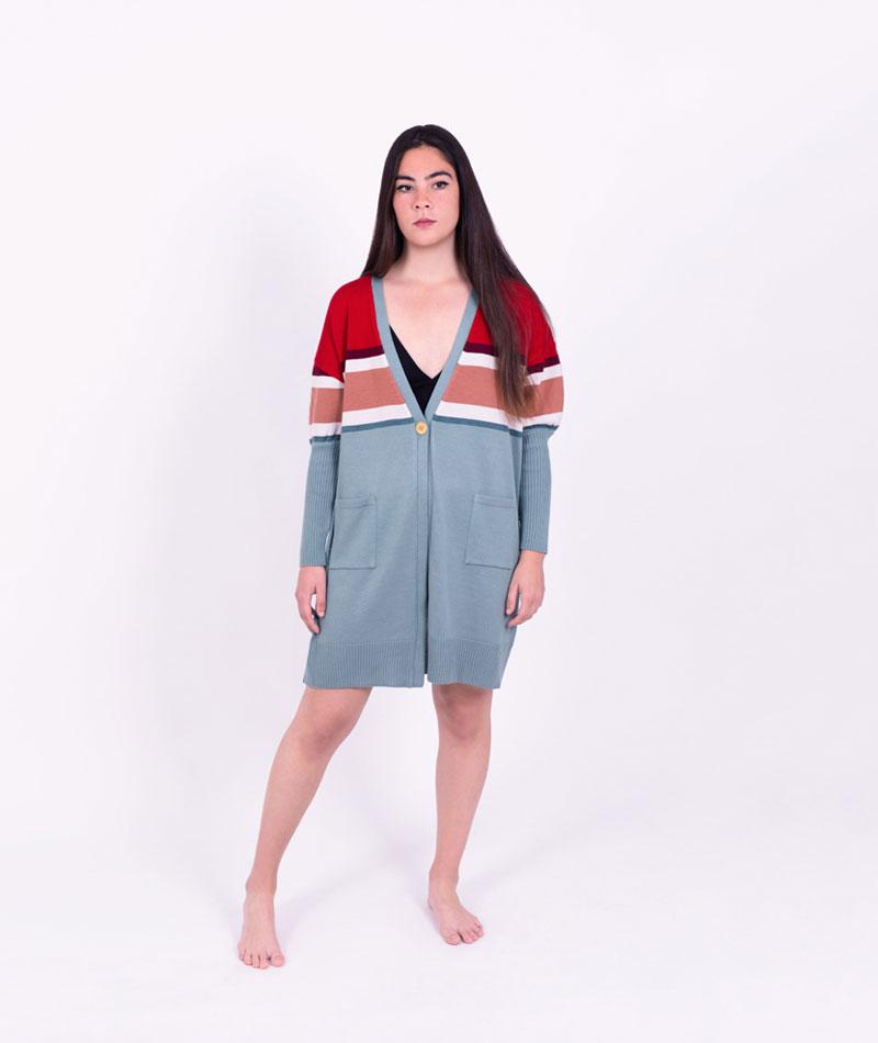 chaqueta de lana merina larga hecha en españá
