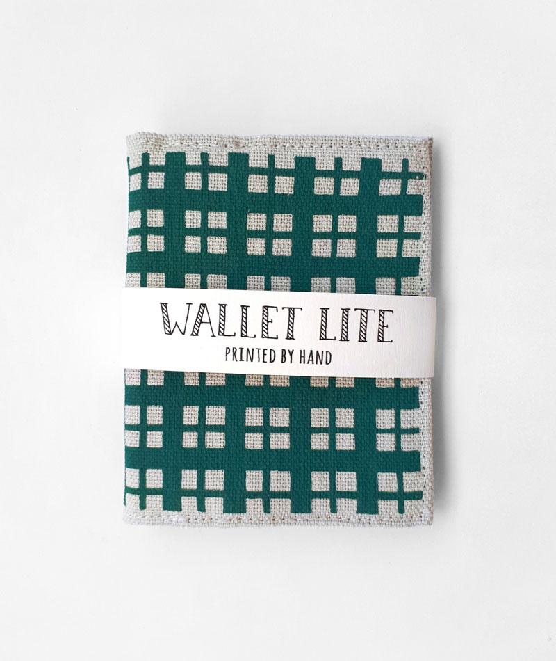 cartera pequeña de cuadros verde hecha en españa