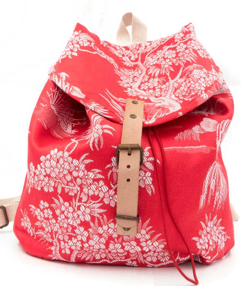mochila reciclada tela vintage adamascada