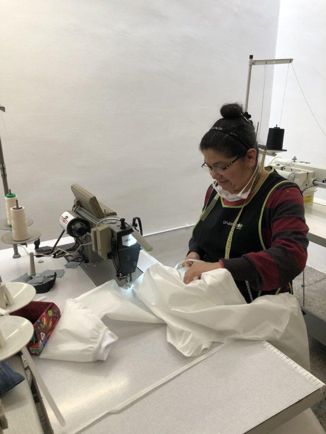 back to eco elabora batas sanitarias durante la crisis del covid