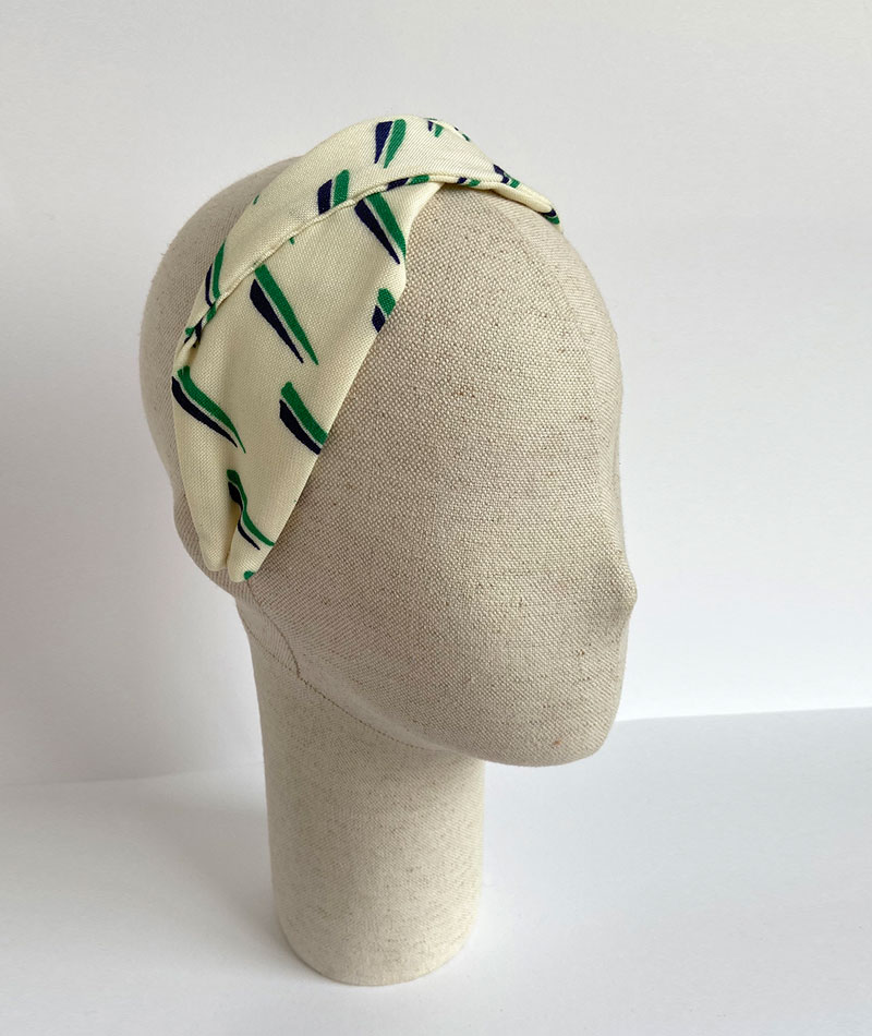 turbante hecho a mano con tejido vintage