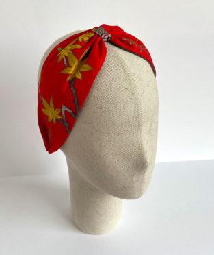 turbante hecho con tejido de algodón vintage
