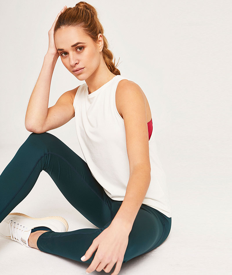 camiseta deportiva blanca bambu