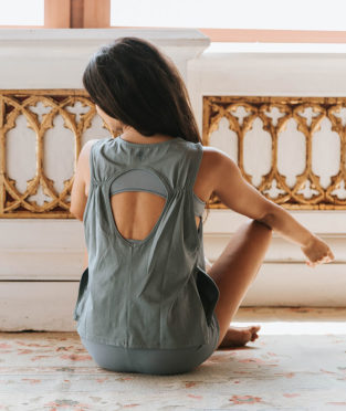 camiseta yoga ecológica