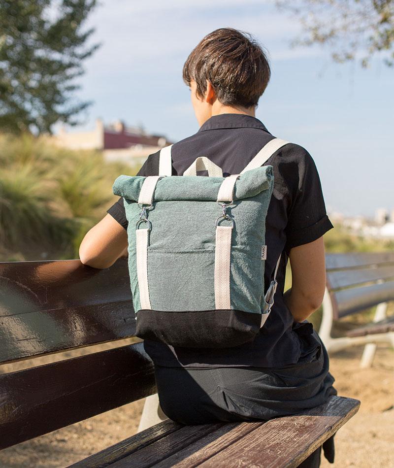 mochila enrollable vegana de algodón