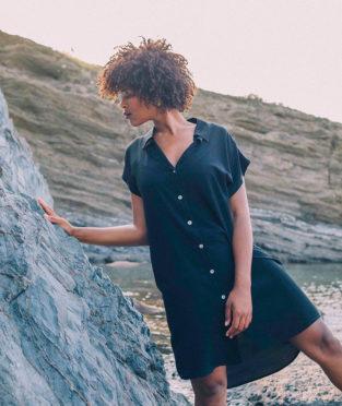 vestido negro de tencel