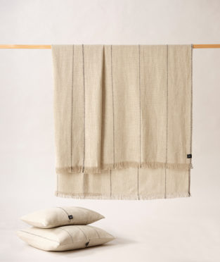 Teixidors 100% linen throw Abans light grey