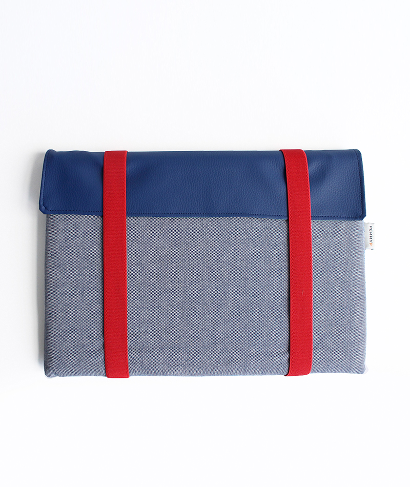 Laptop Sleeve Case blue and red handmade in Barcelona