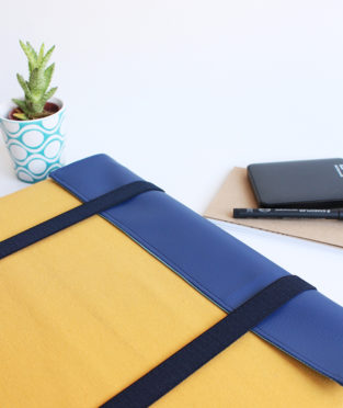 Laptop Sleeve Case blue and yellow handmade in Barcelona