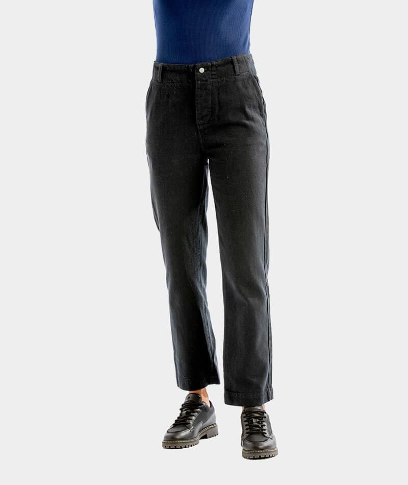 pantalones negros básicos reciclados hechos en España