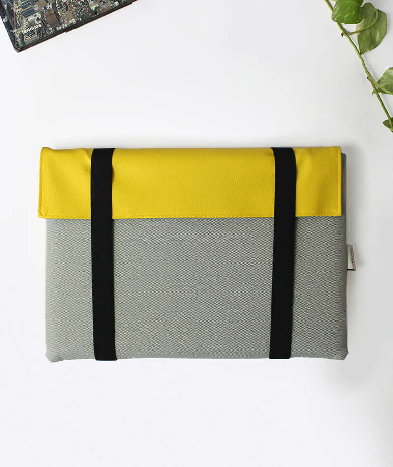 Laptop sleeve case custom size khaki and yellow made in Spain