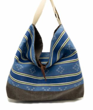 Blue bag with geometric print made in Bilbao with old mattress fabric